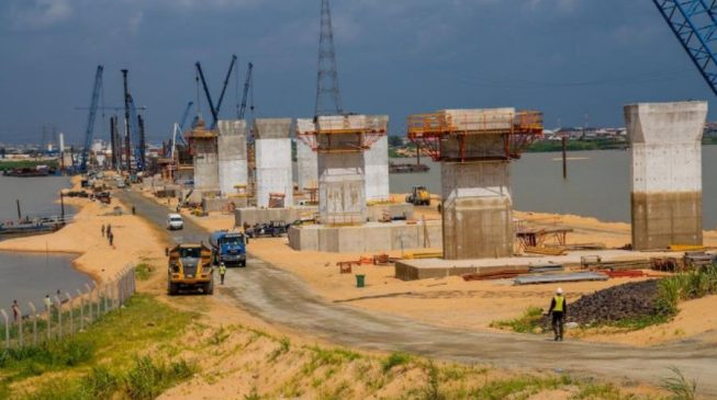 FG may redesign 2nd Niger Bridge to prevent suicide