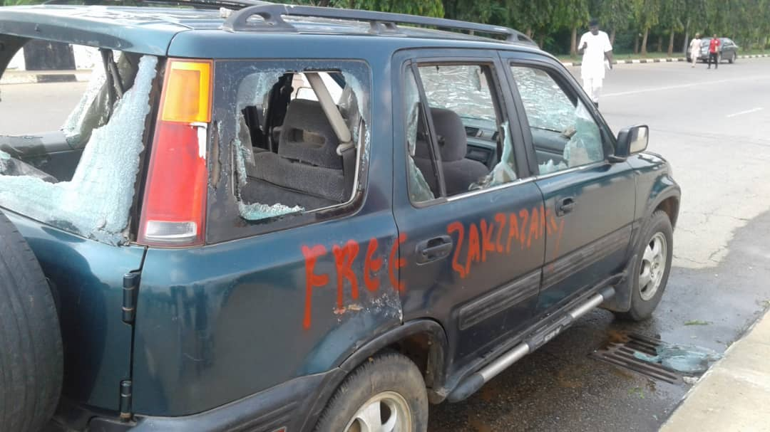 Shiites attack NASS3 - [PHOTOS] Shi'ites Storm National Assembly, Destroy Cars