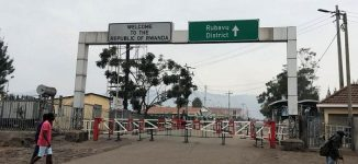 Rwanda shuts border with DR Congo over Ebola outbreak