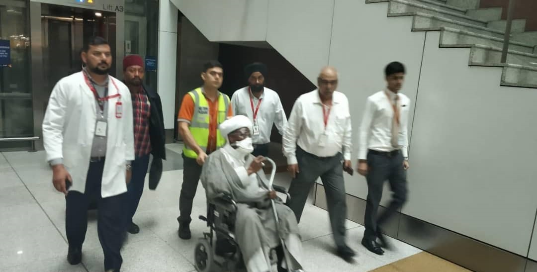 ElZakzaky arrives India3 - [PHOTOS] Medical officials in India receive El-Zakzaky