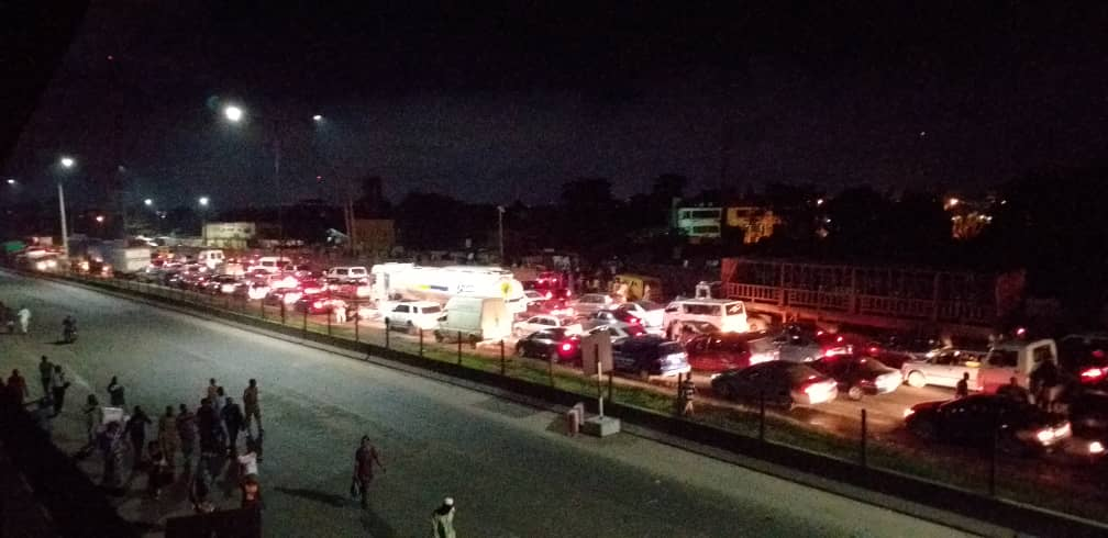 Berger traffic2 - How accident on Otedola Bridge caused the worst-ever traffic jam in Lagos + See Photos
