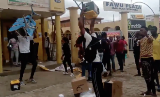VIDEO: Angry youth break into MTN office in Abuja, vandalise equipment