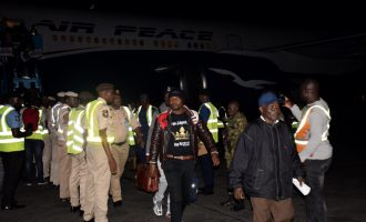 More Nigerians leaving SA over xenophobic attacks to return on Wednesday