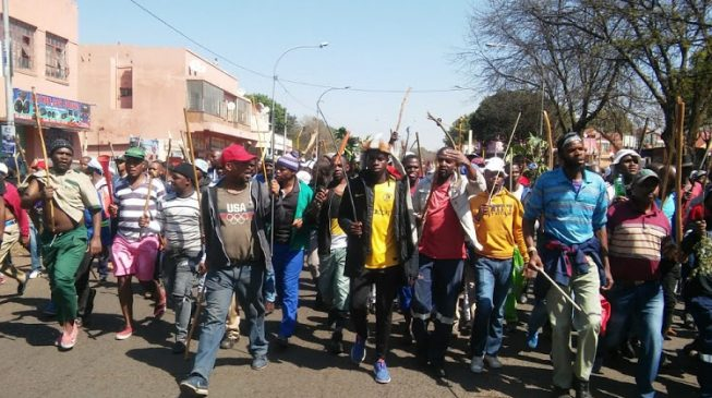 Armed South African protesters hit the streets, ask foreigners to leave