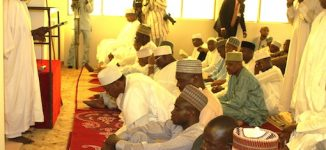 Wedding rumour: Many join Buhari at Aso Rock mosque