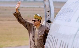 Three governors, four ministers to accompany Buhari on Saudi Arabia trip