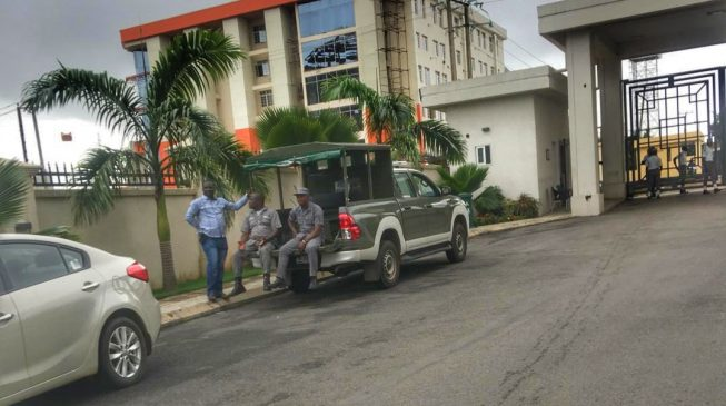 Customs besieges five-star hotel in Abuja, seizes smuggled cars