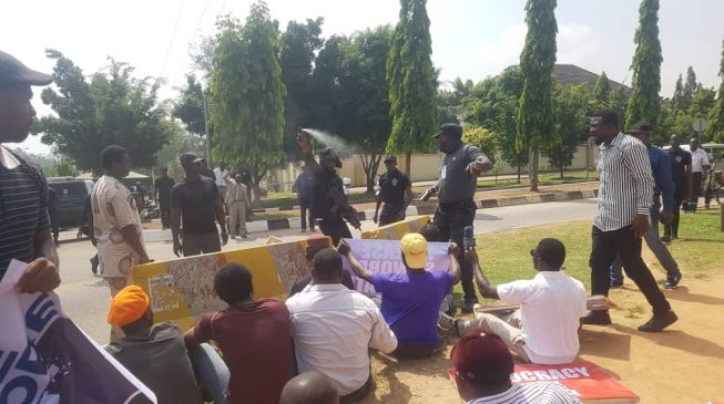 VIDEO: DSS shoots at #FreeSowore protesters in Abuja