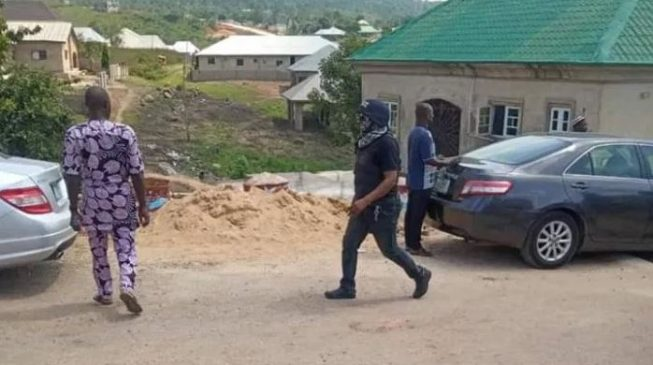 PHOTOS: The masked security men who stormed Kogi hotel where Oyo gov lodged