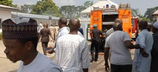 Workers flee as fire breaks out at Niger govt house