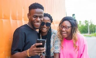 'Unemployed people dragging Seyi' — reactions as lady taunts first-class holder for earning N80k as banker