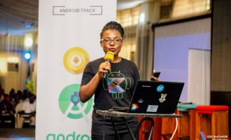 Meet Adeyemi, Nigerian lady who built Android app that tells time in Yoruba dialect