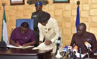 EXTRA: Ayade signs budget of 'Olimpotic Meristemasis' into law