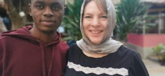 EXTRA: US mum arrives Kano to marry her Instagram lover