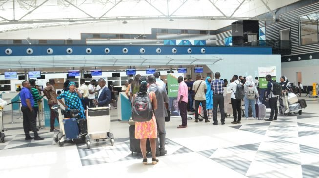 '1500' Lagos-bound passengers stranded in Ghana — four days after flight diversion