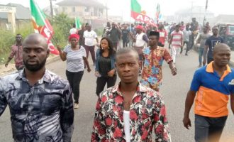 'No Lyon, no governor' — APC supporters protest s'court judgment in Bayelsa