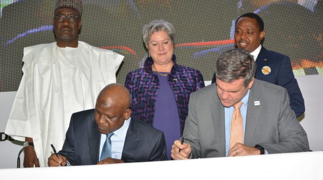FG, US sign $1.1m grant for Abuja independent power project