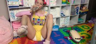 PHOTOS: Meet Paigey Miller, 25-year-old woman who wears nappies for a living