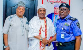 PHOTOS: Osun CP pays Alapomu courtesy visit
