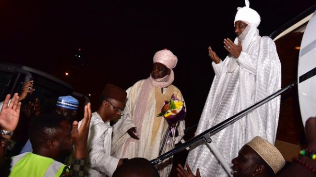 Sanusi leaves Abuja for Lagos — after praying with followers