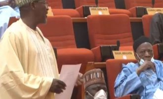 VIDEO: Laughter as senator removes face mask to sneeze
