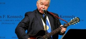 John Prine, country folk legend, dies of COVID-19 at 73