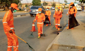 Lagos: We approved N25k for street sweepers but contractors paid N5k