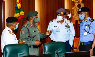 Buhari meets service chiefs — amid protests against killings