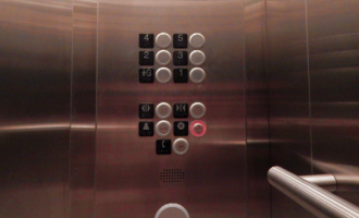 How woman infected 71 persons with COVID-19 through the elevator