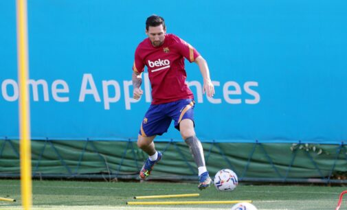Messi resumes training with Barcelona