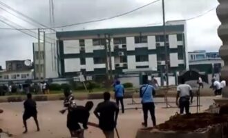 #EndSARS: 'Hoodlums' block major roads, extort motorists in Benin