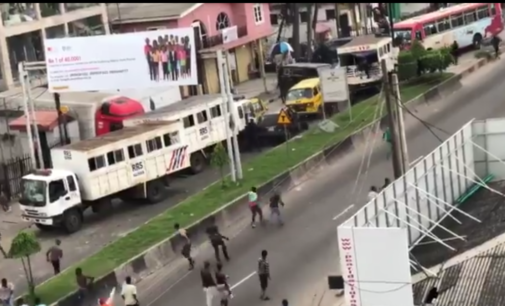 Hoodlums attack RRS operatives in Lagos