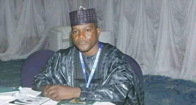 EXTRA: Bauchi lawmaker spends N2.8m on canoes for his constituency