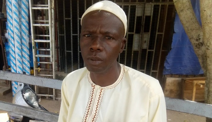 EXTRA: Man who trekked to celebrate Buhari in 2015 'seeks assistance over limb pains'