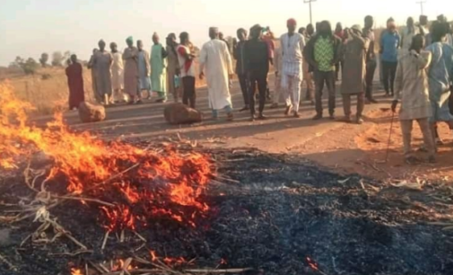 Youths protesting insecurity block highway in Katsina