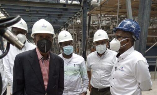 Emefiele: Dangote Refinery to sell refined crude in naira