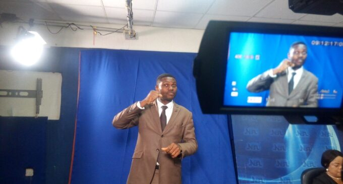 FG directs TV stations to use sign language interpreters during news presentation
