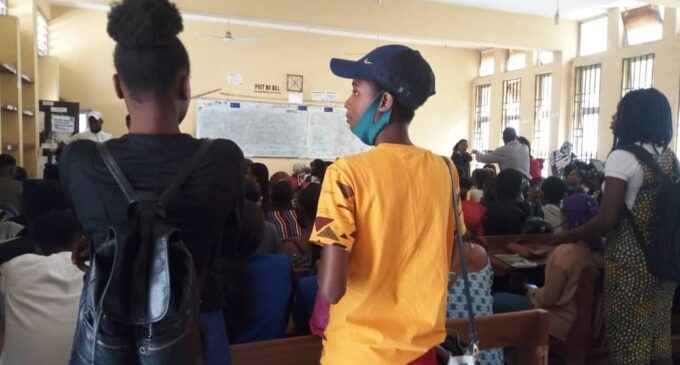 SPECIAL REPORT: Crowded classrooms, absent face masks… universities neglect COVID-19 protocol