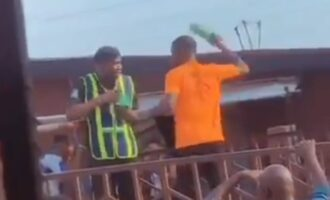 TRENDING VIDEO: Truck driver smashes bottle on policeman's head in Lagos