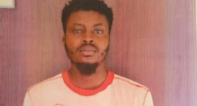 Undergraduate 'who sells drugs hidden in textbooks' arrested in Niger