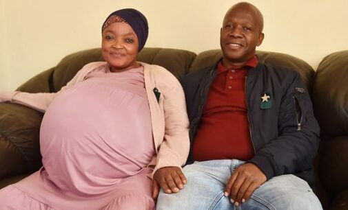 Report: South African woman gives birth to 10 babies