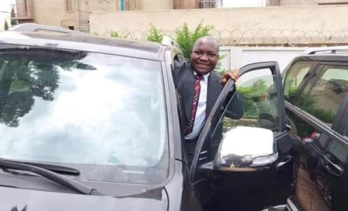 PHOTOS: Ayade gifts SUVs to Cross River reps who defected to APC