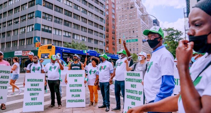 PHOTOS: Nigerians in New York campaign against secession at pro-Buhari march
