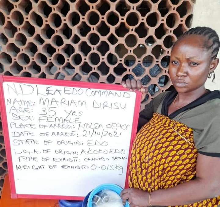 Woman arrested in Edo for 'trying to smuggle cannabis to suspect in police custody'