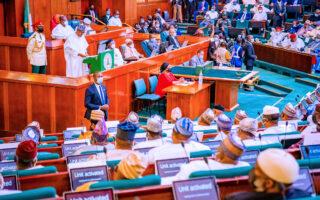Buhari presents 2022 budget