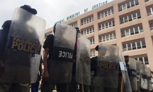 #EndSARSMemorial: Security operatives block protesters from marching to n'assembly